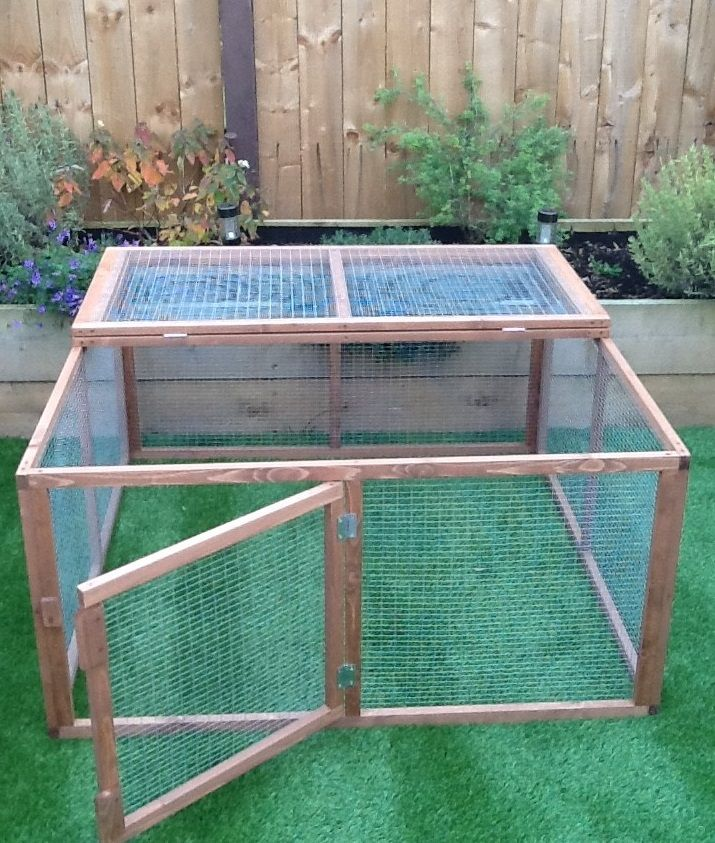 4ft  x  3ft Rabbit/Guinea Pig Run.